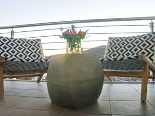 Stellenbosch Luxury self catering apartments:   by Kraaines Interiors - Decor by Cherice,