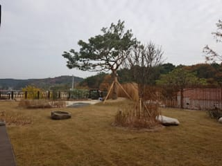 Eclectic style gardens by (주)더숲 Eclectic
