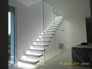Escaleras de estilo  por Alessandro Tosetti