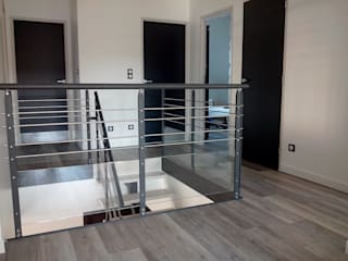 Garde-corps avec partie vitrée :  de style  par Escalissime