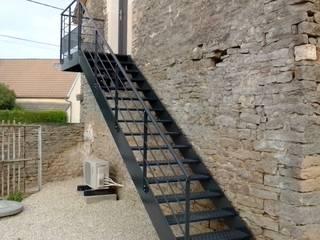 """Escaliers pour chambres d'hôtes """" Clos n°5"""" à Villy Le Moutier (21250) près de Beaune :  de style  par Escalissime"""