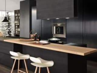 Felipe Lara & Cía Built-in kitchens Wood Black