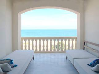 Apartamento en la costa Comedores de estilo mediterráneo de Singularq Architecture Lab Mediterráneo