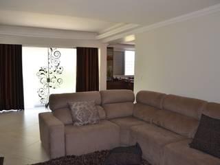 A Sala de estar: Salas de estar campestres por Solange Figueiredo - ALLS Arquitetura e engenharia