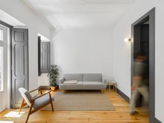 Graça: Salas de estar  por arriba architects