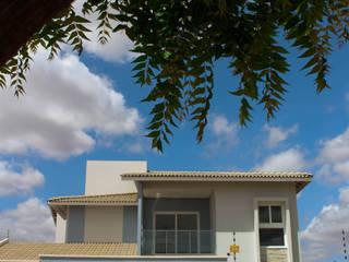 Casa JV por Renato Medeiros Arquitetura Clássico