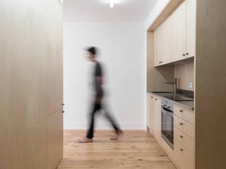 Nhà bếp by arriba architects