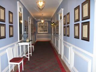 經典風格的走廊,走廊和樓梯 根據 Ferreira de Sá 古典風