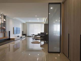 <大樓-3+1房2廳>度假感住宅 貼心三代機能需求 斯堪的納維亞風格的走廊,走廊和樓梯 根據 品茉空間設計(夏川設計) 北歐風