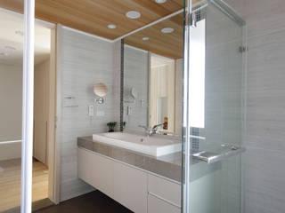Phòng tắm theo 品茉空間設計/夏川設計, Bắc Âu