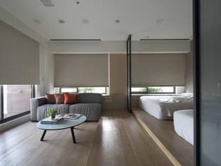 <大樓-3+1房2廳>度假感住宅 貼心三代機能需求:  臥室 by 夏川空間設計工作室
