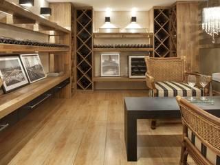 Bodegas de vino de estilo ecléctico de JCWK arquitetura (jancowski arquitetura) Ecléctico