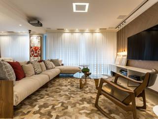 Flávia Kloss Arquitetura de Interiores 现代客厅設計點子、靈感 & 圖片 MDF Amber/Gold