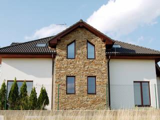 Steinfassade - Modern Rustic Rustikale Häuser von Tschechische Steinmetze Rustikal