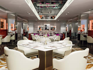 Modern dining room by Ferreira de Sá Modern