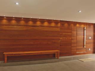 Lozí - Projeto e Obra Garajes de estilo clásico