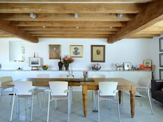 Listed barn conversion Minimalist dining room by O2i Design Consultants Minimalist