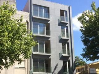 Apartamentos e lojas no Campo Alegre, Porto:   por José Melo Ferreira, Arquitecto