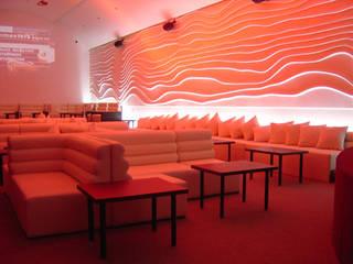 XX Lager Lounge (Diseño de Mobiliario para Bar): Bares y discotecas de estilo  por B&Ö Arquitectura interior y muebles | Diseño de bares y restaurantes / Interiorismo y Decoración México.