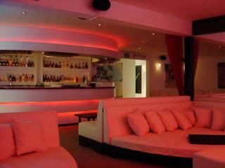 XX Lager Lounge (Diseño de Barra para Bar): Bares y discotecas de estilo  por B&Ö Arquitectura interior y muebles | Diseño de bares y restaurantes / Interiorismo y Decoración México.