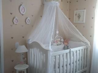 Quarto de bebê: Quartos de bebê  por Milena Baptista Arquitetura e Interiores,Moderno