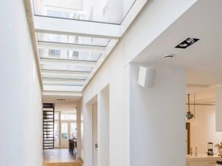 Woonhuis Prinsengracht:  Gang en hal door Bas Vogelpoel Architecten