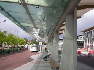 gare multimodale d'Ermont-Eaubonne: Aéroports de style  par Atelier du Point du Jour