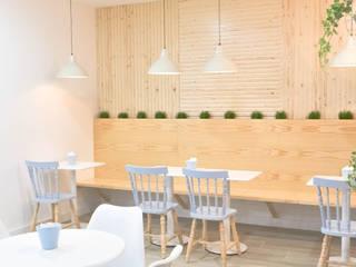 Pastelaria Meira : Espaços comerciais  por Tó Liss,Escandinavo