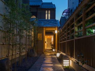 ART GALLERY  逢友: 一級建築士事務所 (有)BOFアーキテクツが手掛けた廊下 & 玄関です。,和風