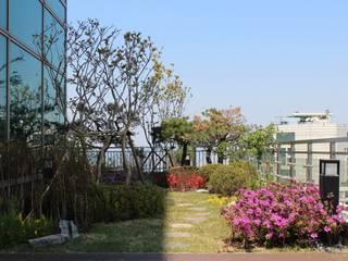 (주)더숲 Jardines de estilo moderno