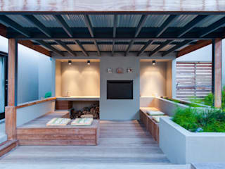 Modern terrace by JBA Architects Modern
