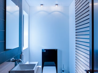 Modern bathroom by JBA Architects Modern