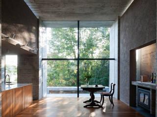 茨木の家: 山本雅紹建築設計事務所が手掛けたキッチンです。