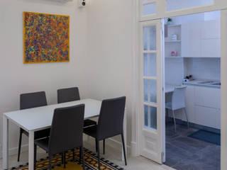 Casa AC Sala da pranzo in stile classico di Giulia Villani - Studio Guerra Classico