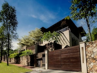 Seputeh House - Modern 3 Storey Bungalow MJ Kanny Architect Tropical style houses