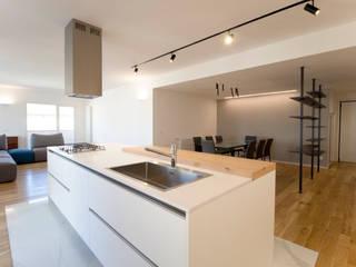 La cucina ad isola: Cucina in stile  di GD Architetture