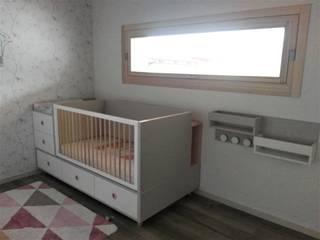 Cameretta trasformabile GROW: Cameretta neonato in stile  di Spaziojunior