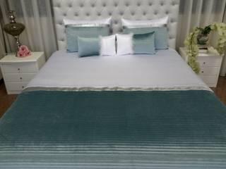 Somier elevatório com cabeceira de cama em veludo.:   por RMC - Decoração e Remodelação de Estofos