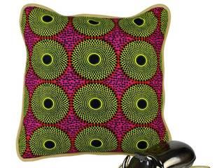 Afrika im Wohnzimmer - Kissen in afrikanischem Stoff:   von Signature Home Collection GmbH