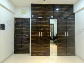 Bhadresh Jhaveri Moderne Ankleidezimmer von SP INTERIORS Modern