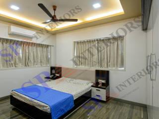 Mr.Chokshi Moderne Schlafzimmer von SP INTERIORS Modern