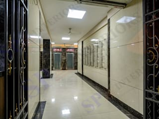 Navjeevan Commercial bldg. 2 wings Moderne Bürogebäude von SP INTERIORS Modern