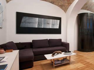 Scolamiero painting studio:  in stile  di officinaleonardo, Minimalista