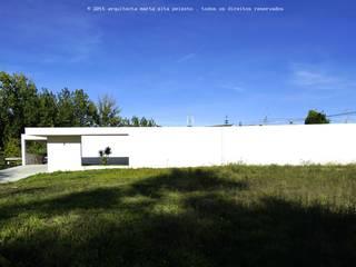 Moradia Unifamiliar: Moradias  por Marta Zita Peixoto - Arquitectura,Minimalista