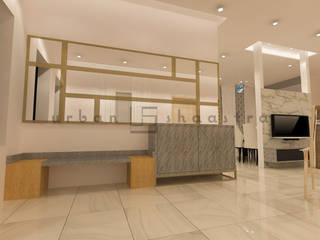 Couloir, entrée, escaliers minimalistes par Urban Shaastra Minimaliste