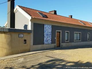 Recuperação de Moradia Marta Zita Peixoto - Arquitectura Casas de campo Multicolor