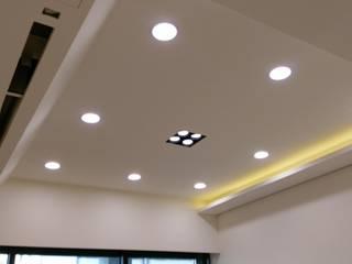 天花板:  客廳 by 紅帥設計