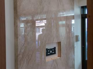 和美柑竹路吳宅 现代客厅設計點子、靈感 & 圖片 根據 紅帥設計 現代風