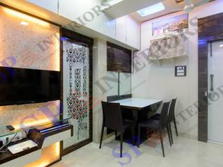 Ritesh bhai Moderne Esszimmer von SP INTERIORS Modern