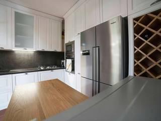 Classic style kitchen by Falegnameria Grelli Danilo Classic